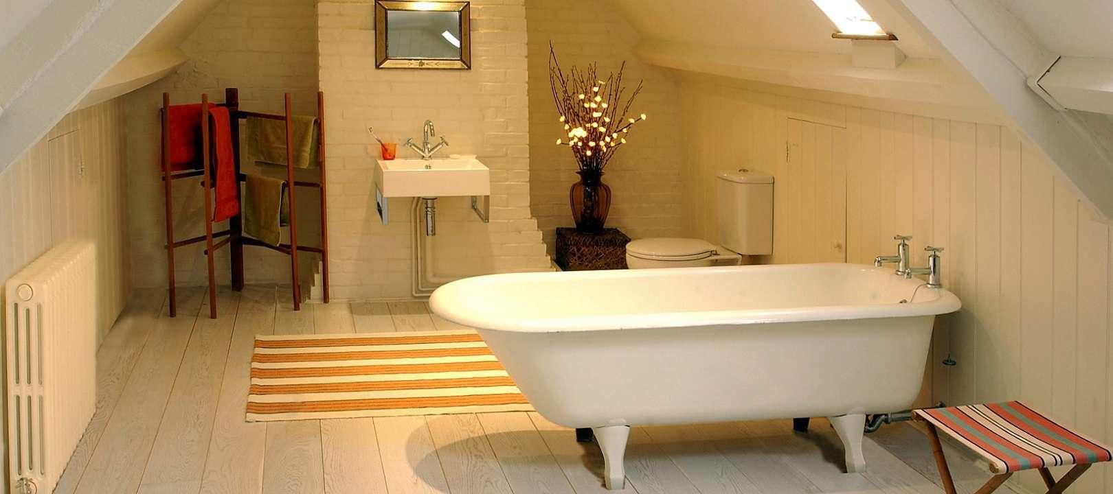 oak-engineered-white-washed-oiled-180mm-bathroom