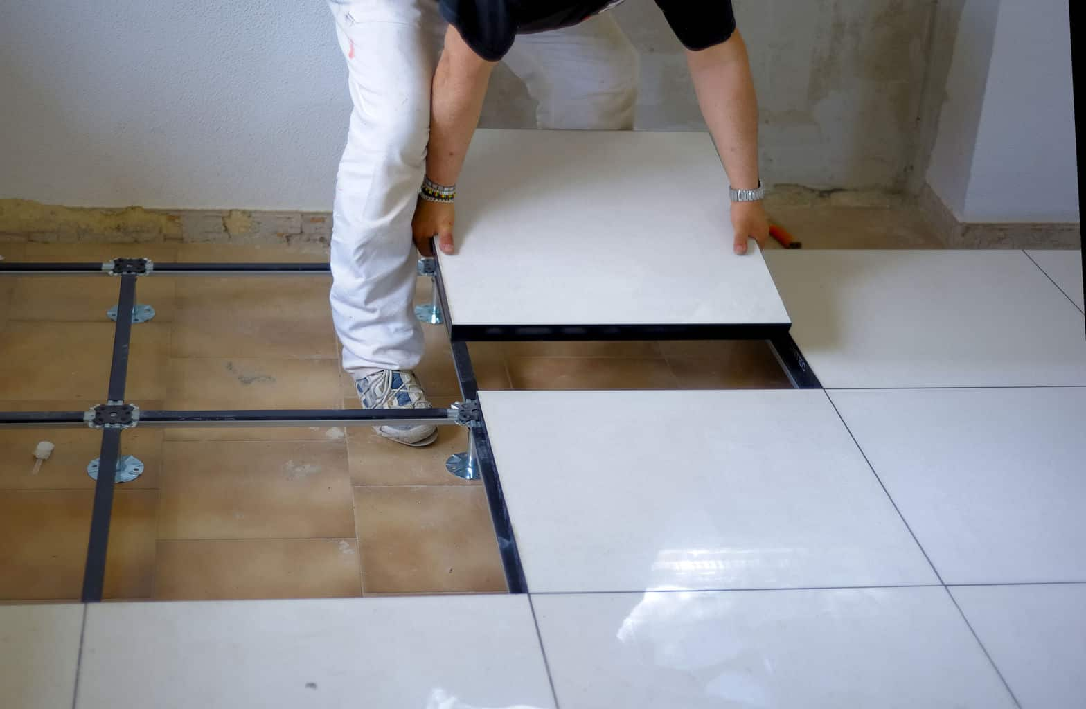How to clean porcelain tile flooring a full guide to procelain durability of porcelain tile flooring dailygadgetfo Image collections