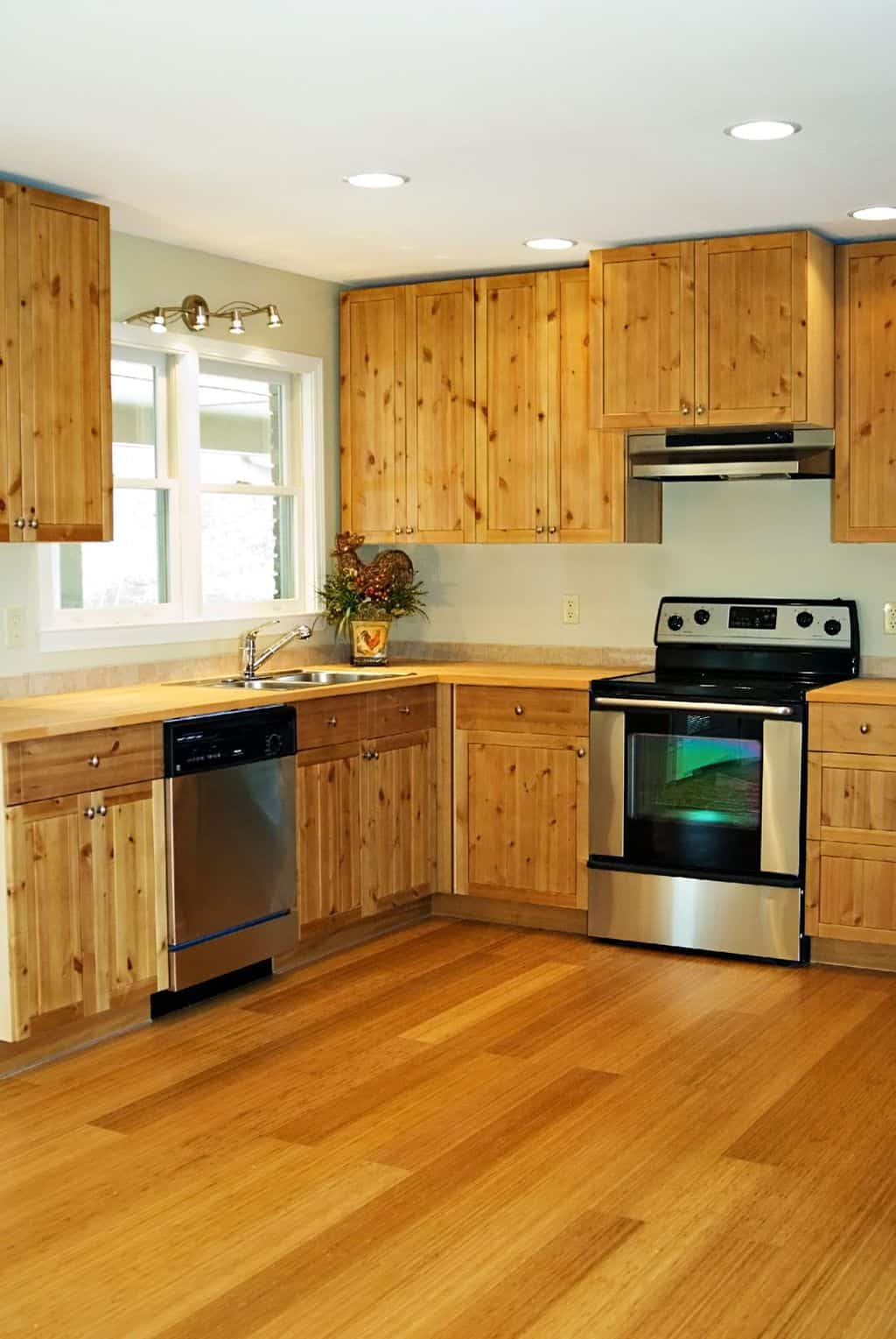 Top  Crucial Bamboo Flooring Pros And Cons TheFlooringlady - Hardwood floors in kitchen pros and cons