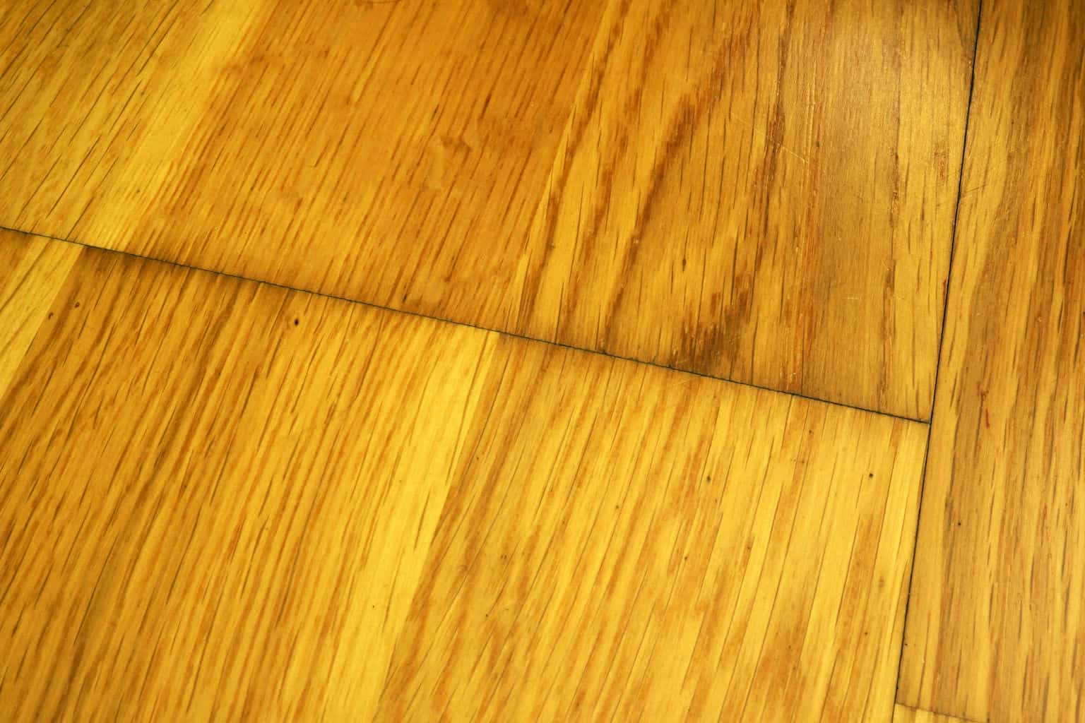Scratches on laminate flooring repair kit laminate for Laminate flooring winnipeg