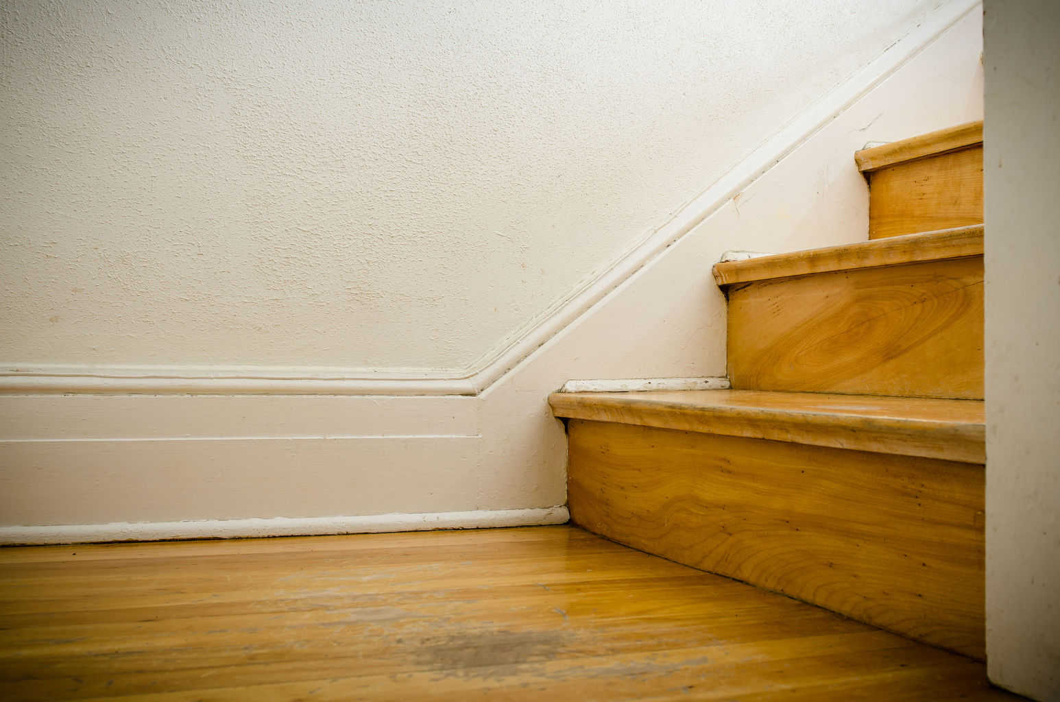 Is hardwood floor on stairs a good option the flooring lady for Hardwood floors on stairs