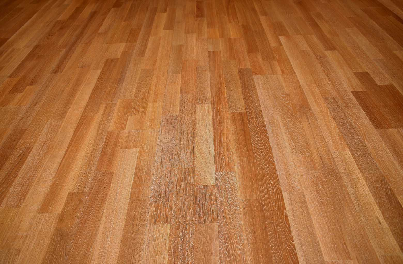 Types of laminate flooring options oak walnut pine - Laminate or wood flooring ...