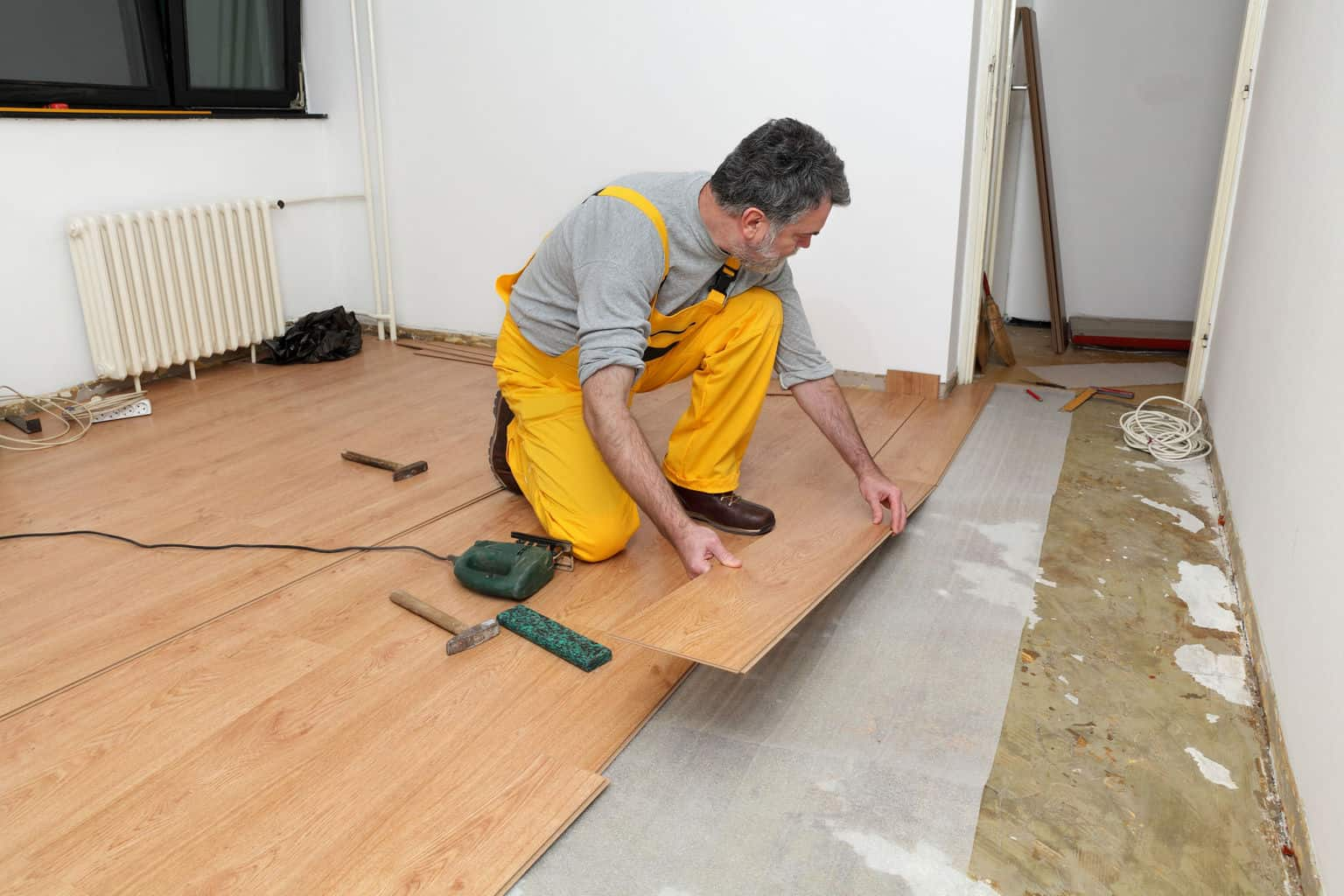 8 Simple Steps For Removing Laminate Flooring The